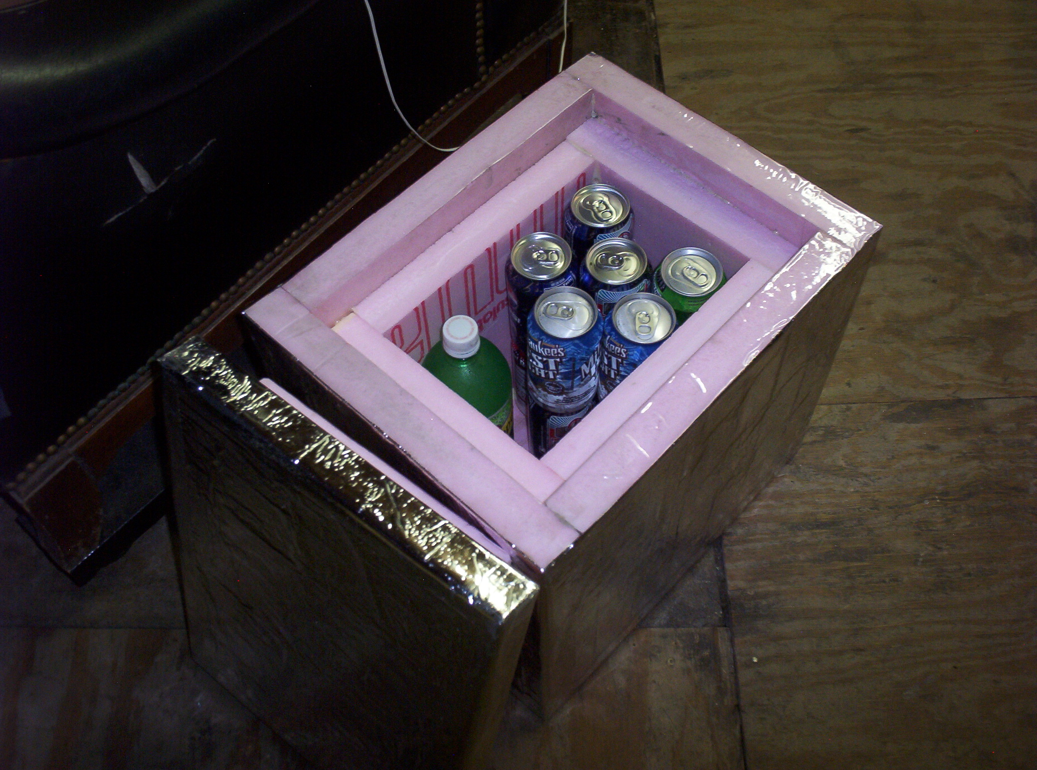 Make a well-insulated travel cooler