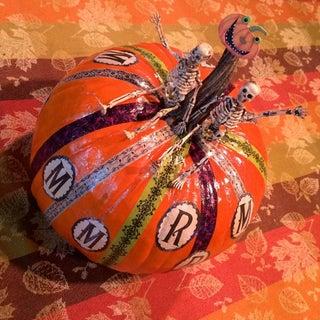 Pumpkinskeletons.jpg