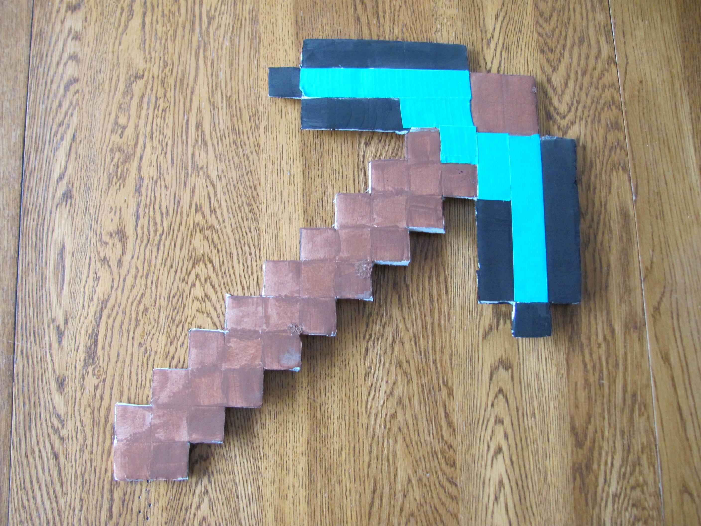 How to Make a Minecraft Diamond Pickaxe