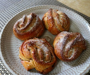 Sourdough Cardamom Buns
