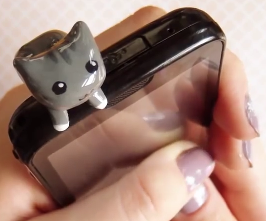 DIY Phone Dust Plug
