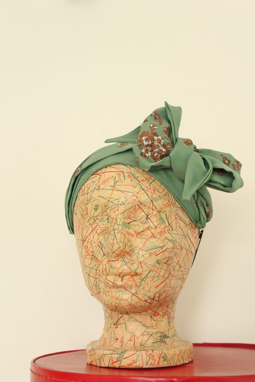 Headscarf Tying Accessory