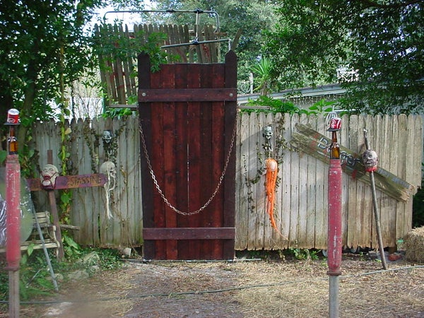 How to Haunt a Yard With Help From Instructables (edited With New Pictures)