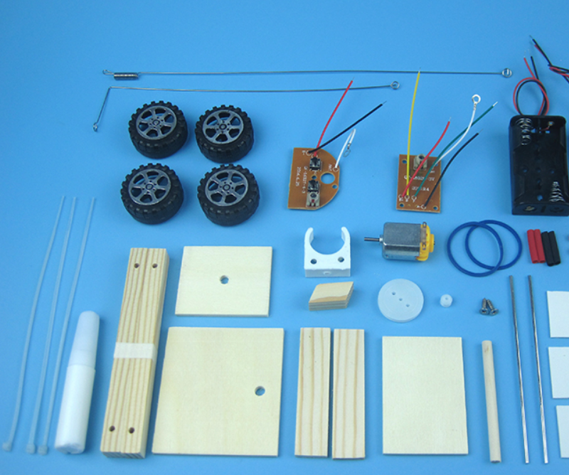 DIY an Attractive Wooden Remote Control Car for Kids