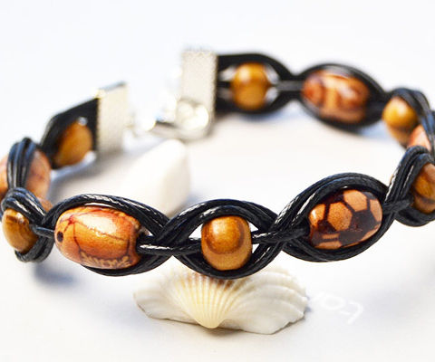 Beebeecraft Tutorials on How to Make Braided Bracelet With Wood Beads
