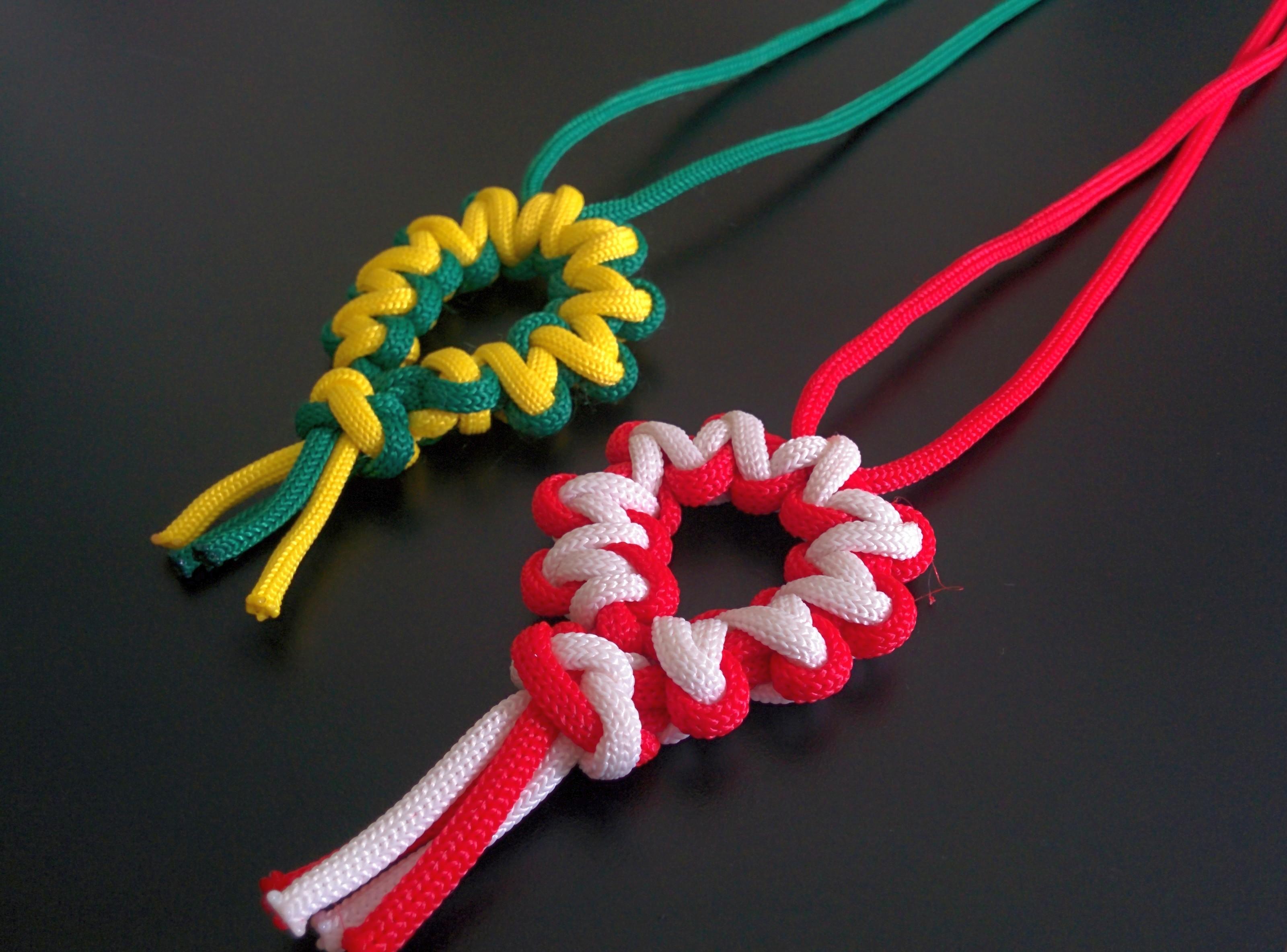 Paracord Desert Flower Medallion