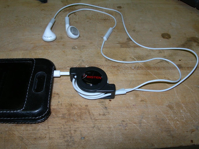 IRecoil - IPhone Retractable Headphones