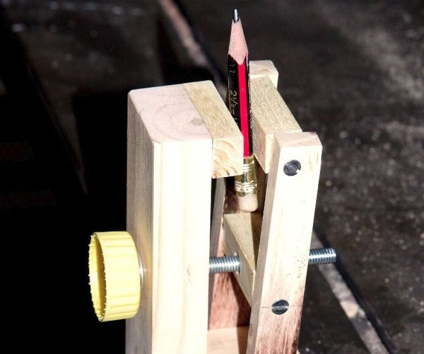 Small, Light Duty Benchtop Vise