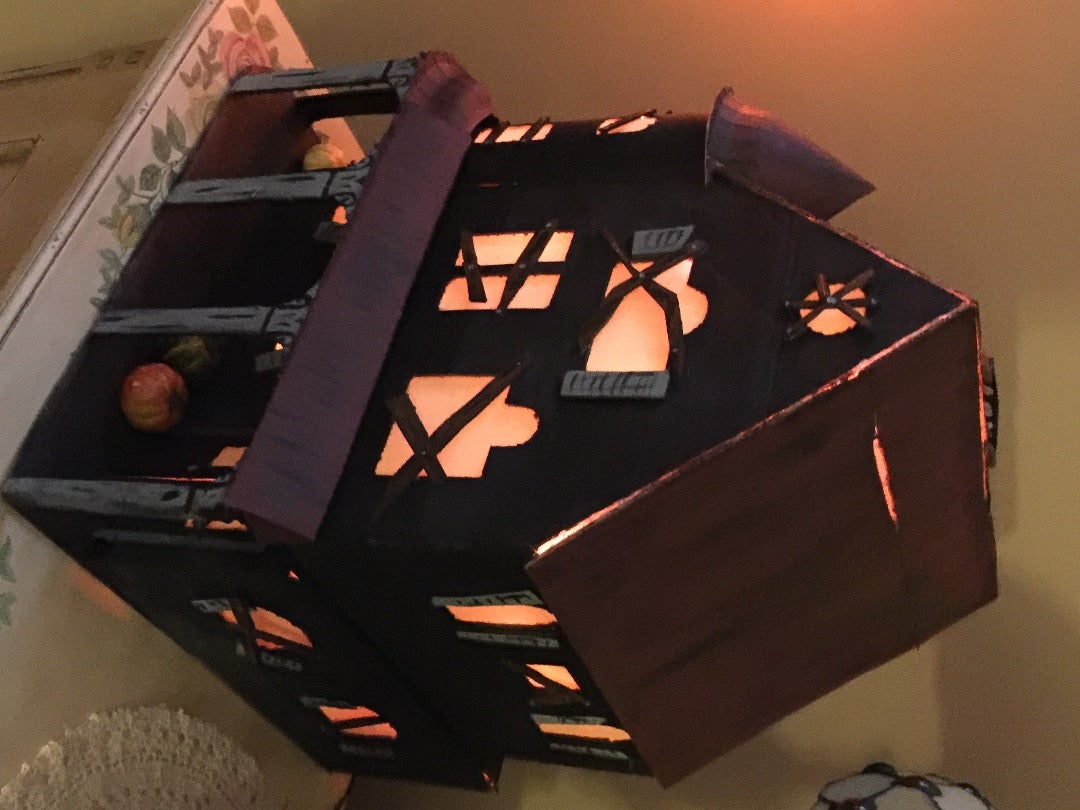 Miniature Light-up Tabletop Haunted House