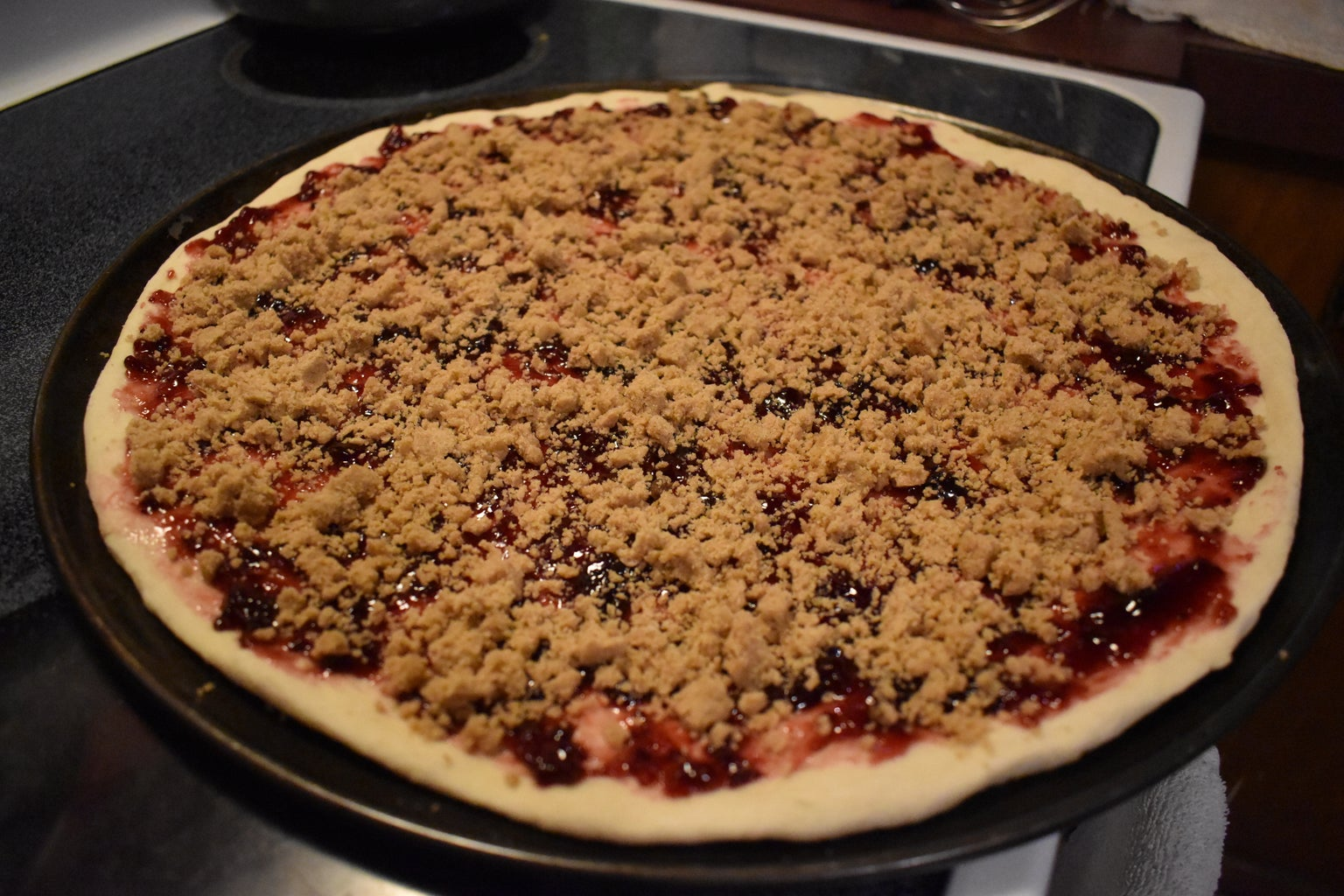 """Step: 3 Add Your """"Sauce"""" and Streusel"""