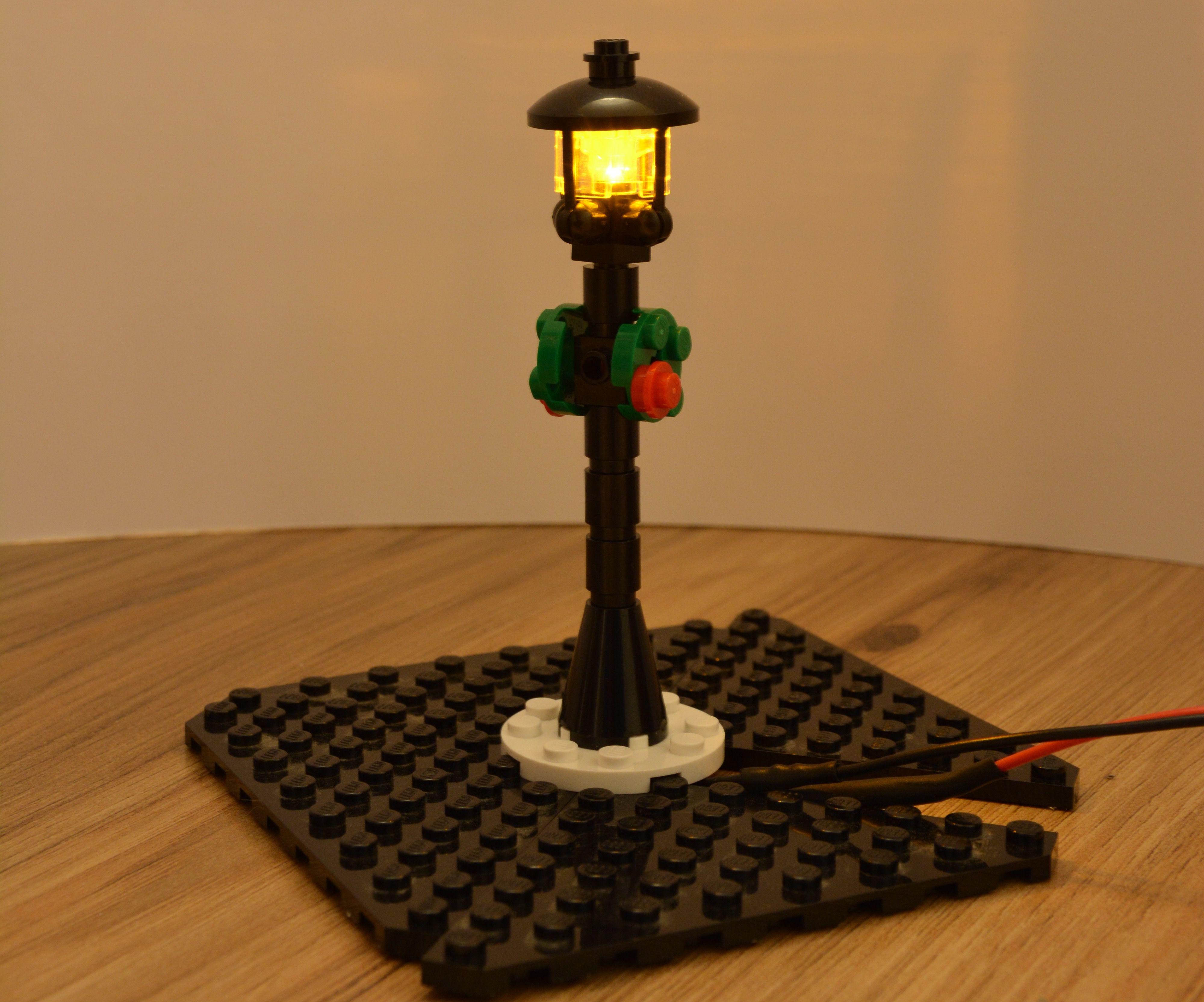 LEGO Street Lighting