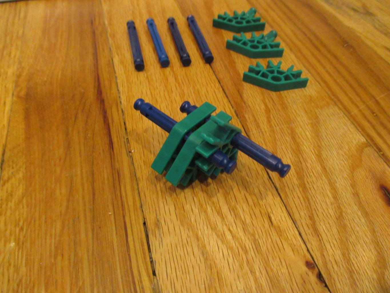 Simple Green Ball Arm