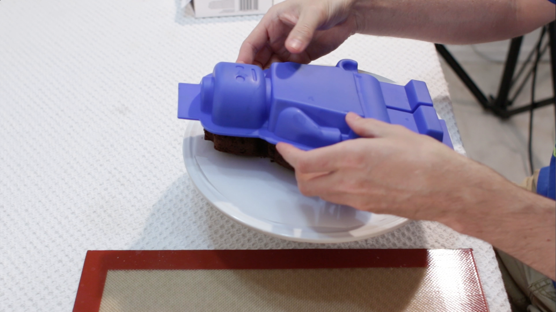 Release Cake From Mold