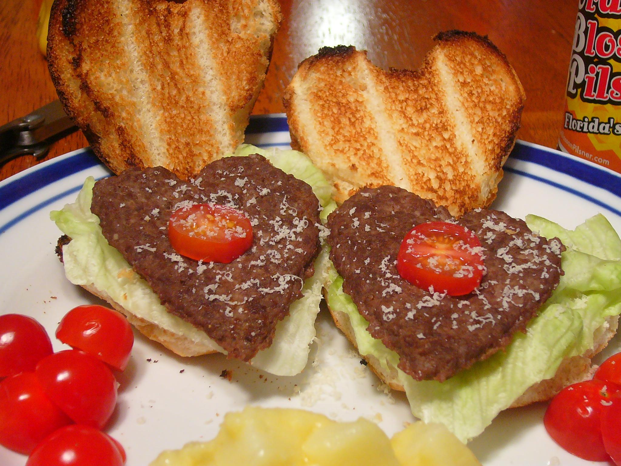 [Collegiate Meals] I Love You (Virus) Burgers