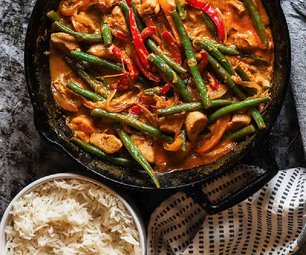 COCONUT THAI CURRY CHICKEN