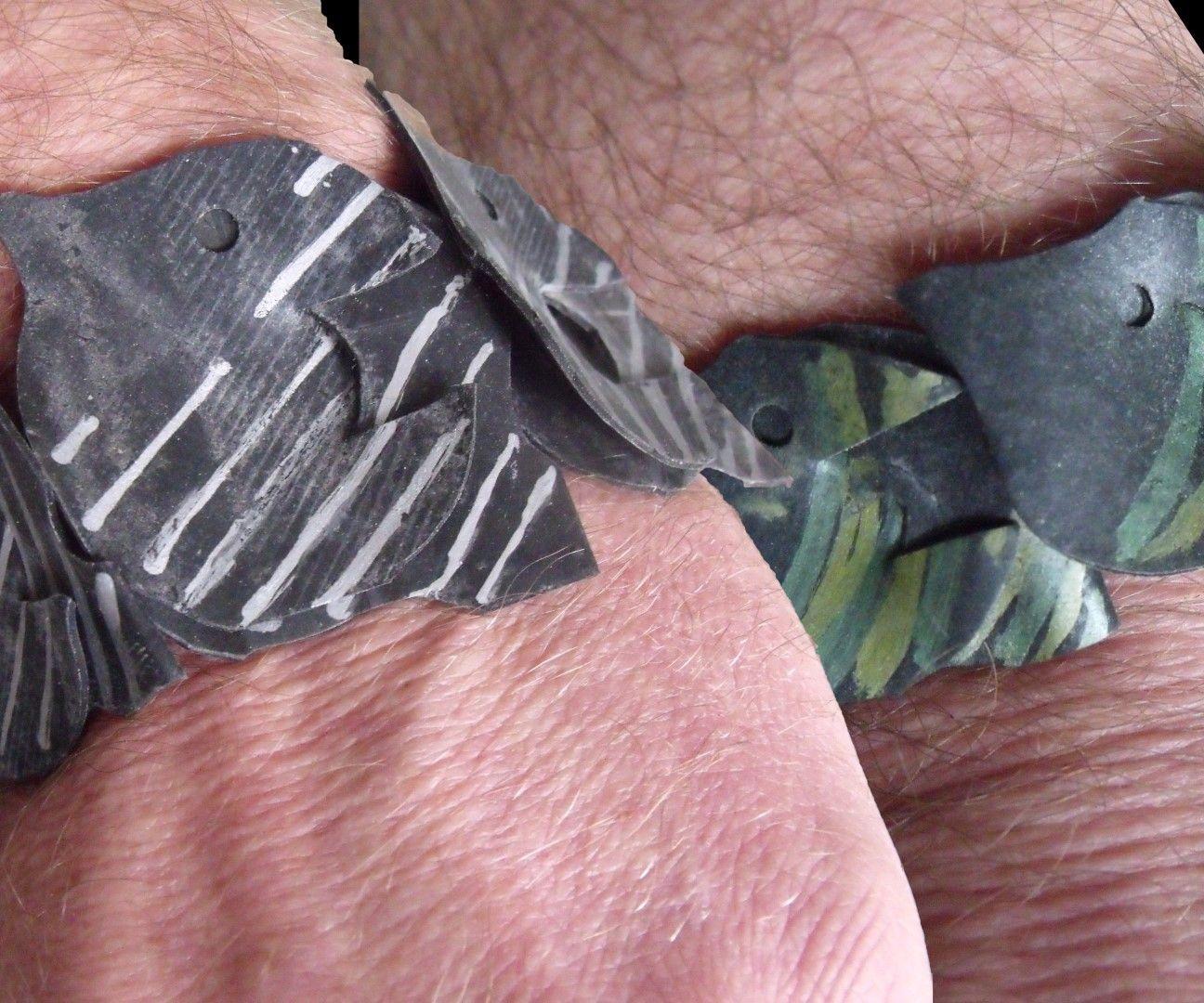 Fish going around the wrist.