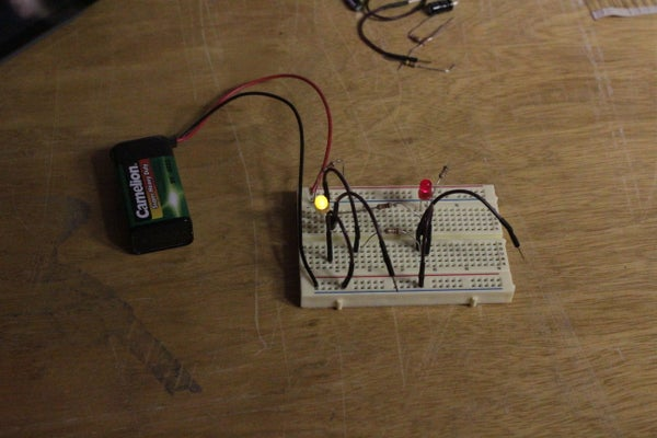 Analogue 1-bit Memory on a Breadboard