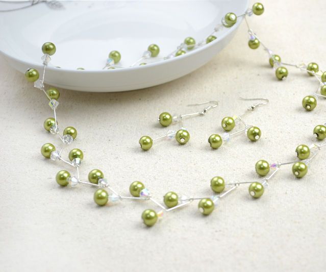 Jewelry Crafts Ideas- Adorable Pearl Necklace Earring Set