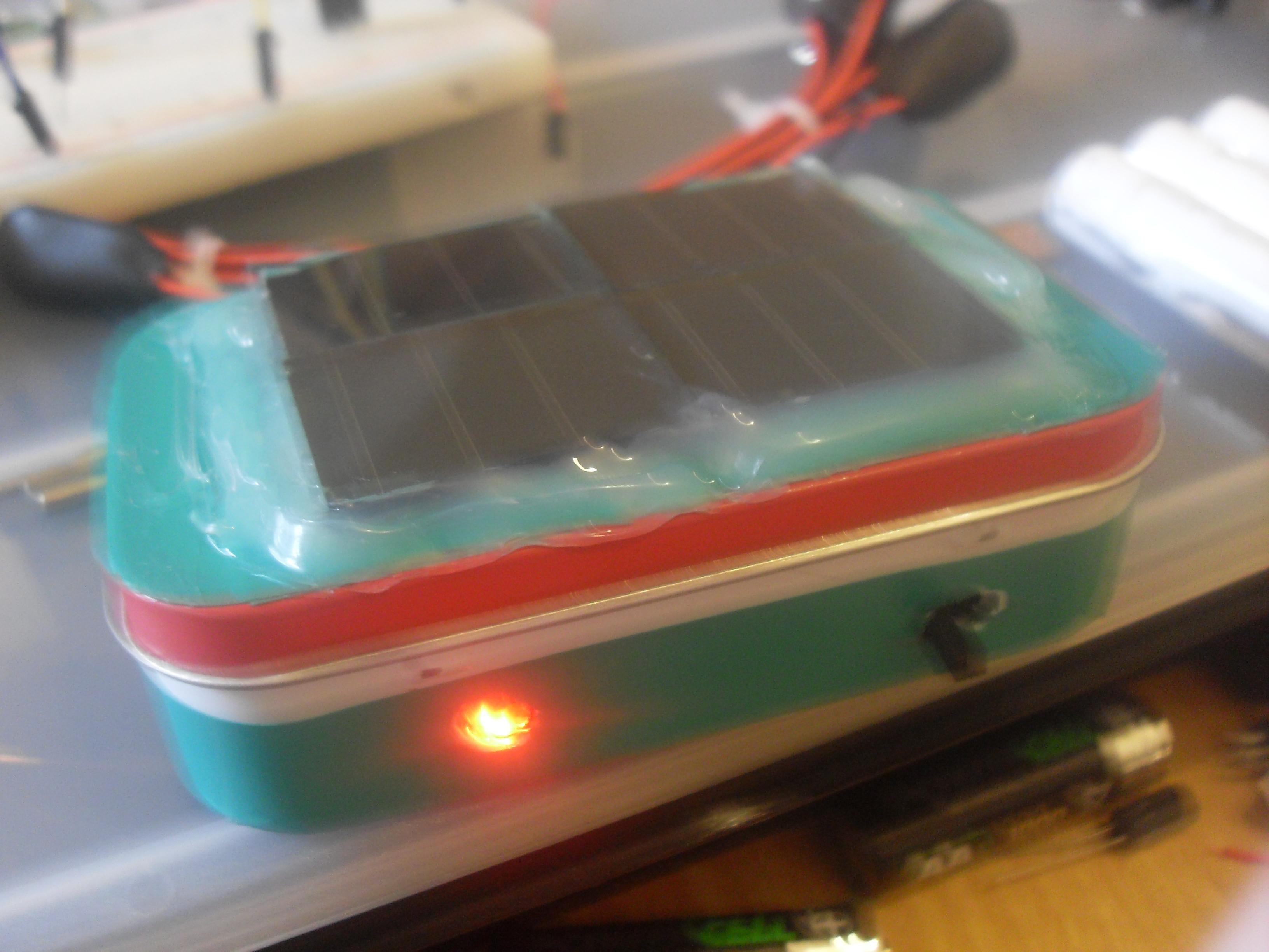 Altoids Solar powered emergency device - ATtiny 85