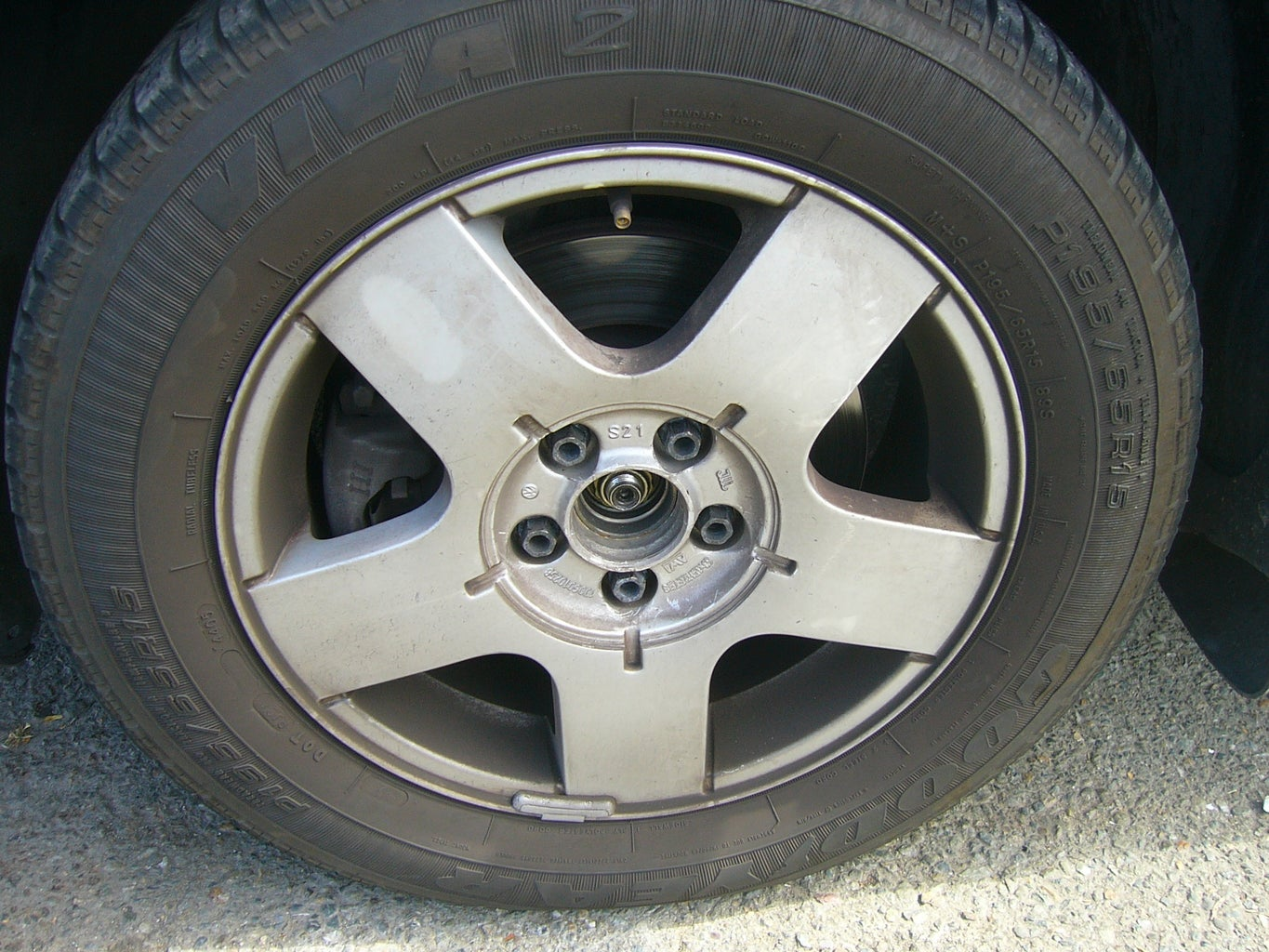 Remove Lugs/Bolts and Wheel