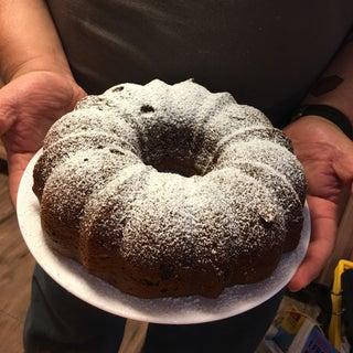 Easy Chocolate Cake Wheel