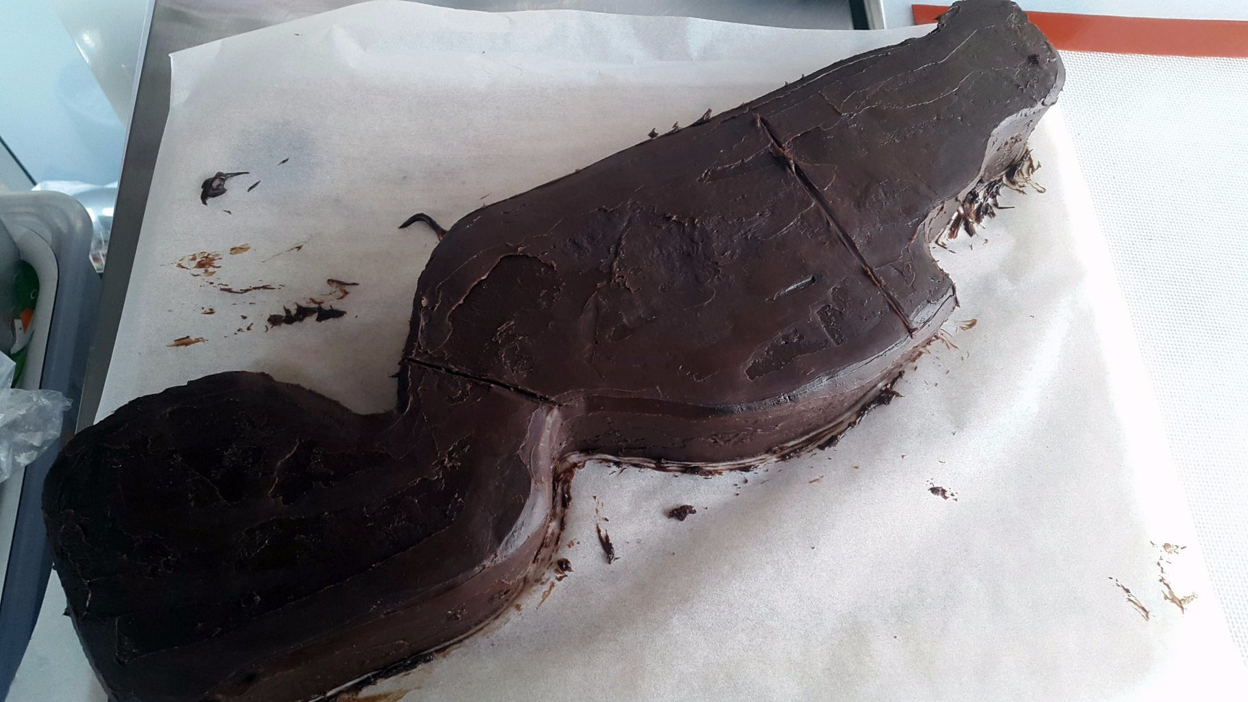 Assemble the Bottom Layer (cake Layer1)