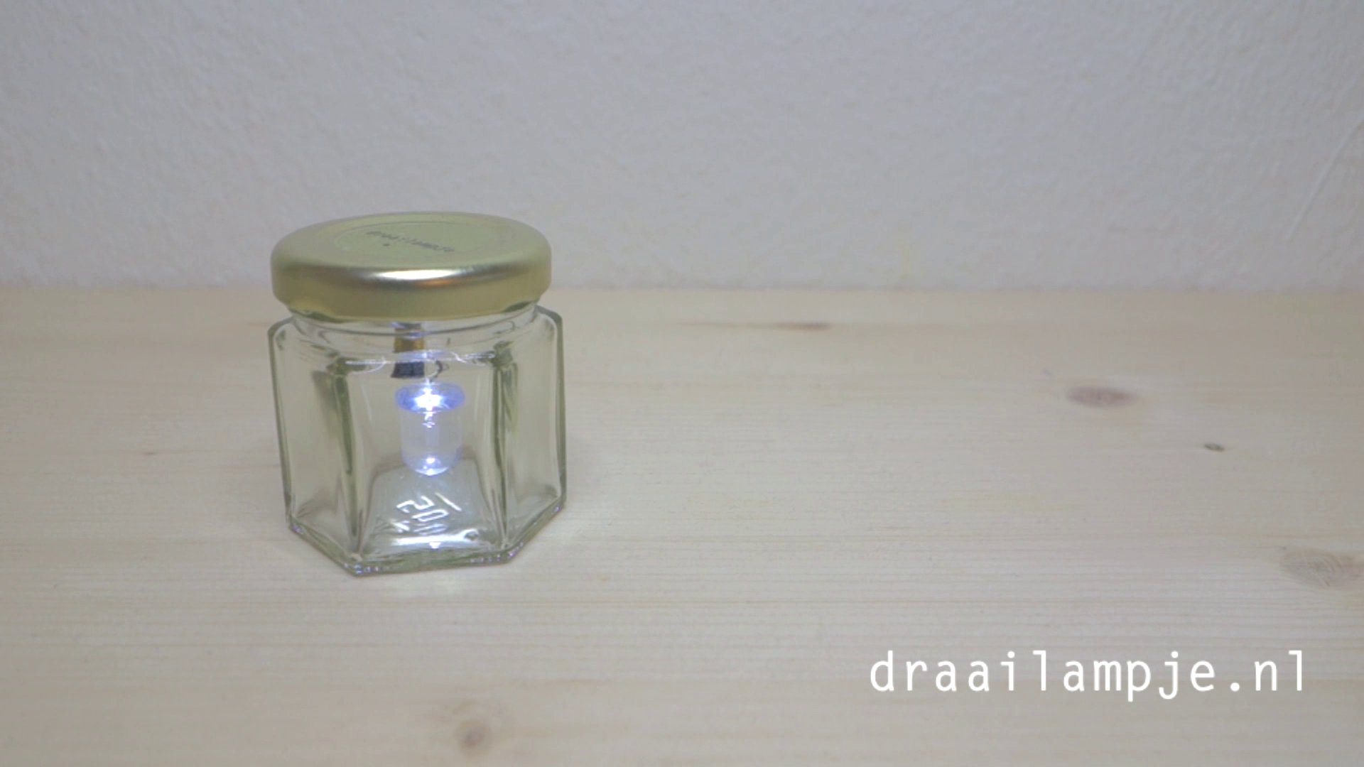 A cute little LED jar (turn it on and off by turning it!) named draailampje