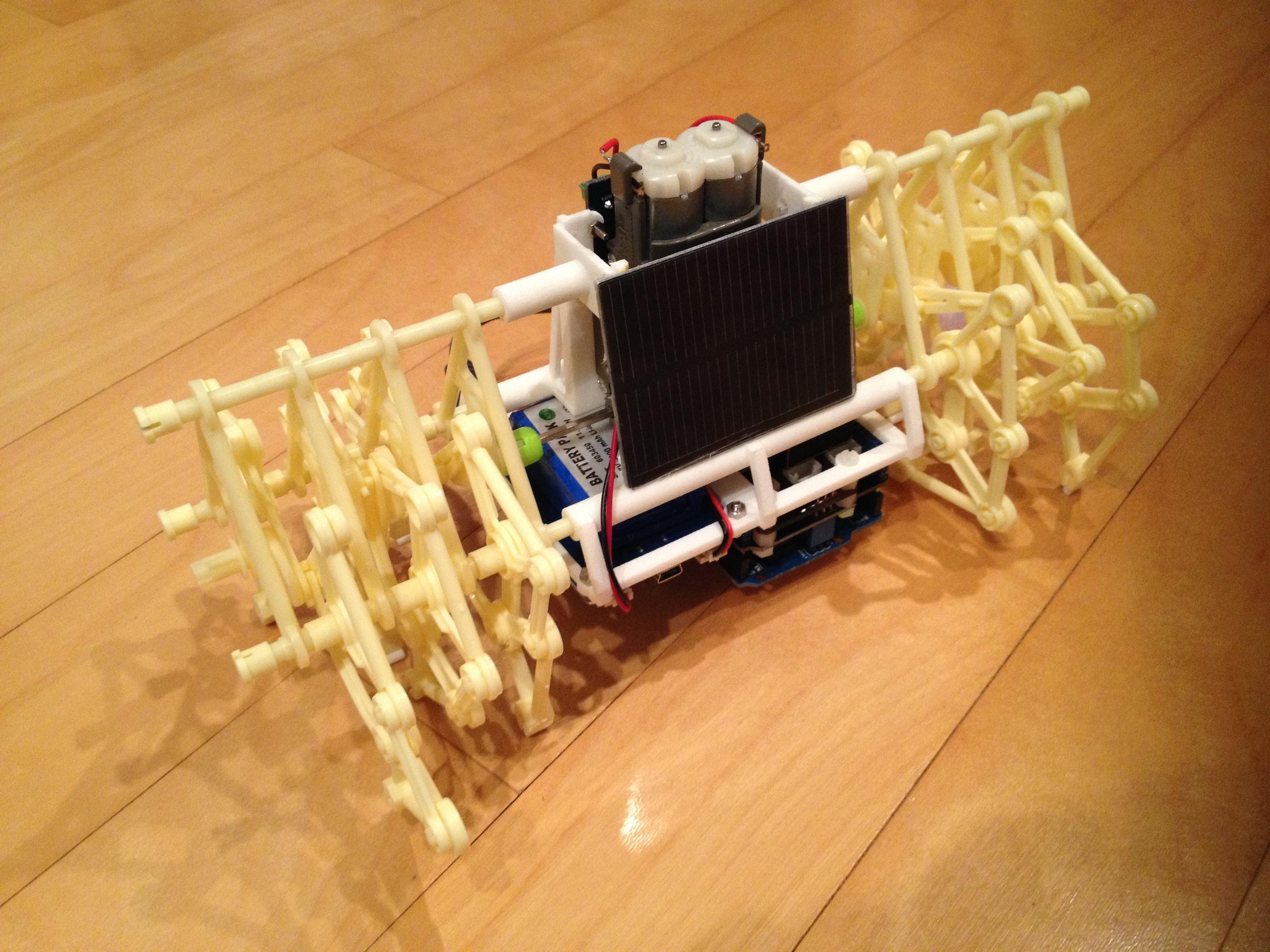 Strandbot - a solar & arduino powered R/C motorized Strandbeest