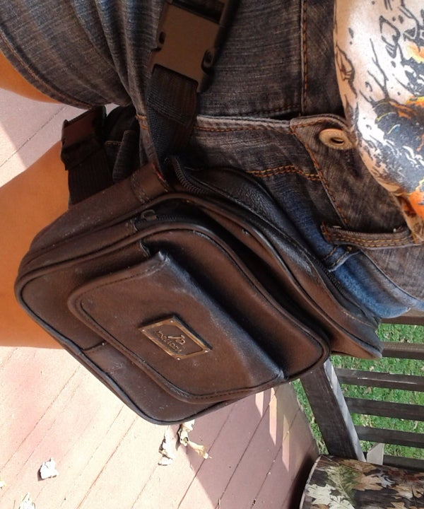 How to Make a Hip/Thigh Bag Out of a Thrift Store Purse