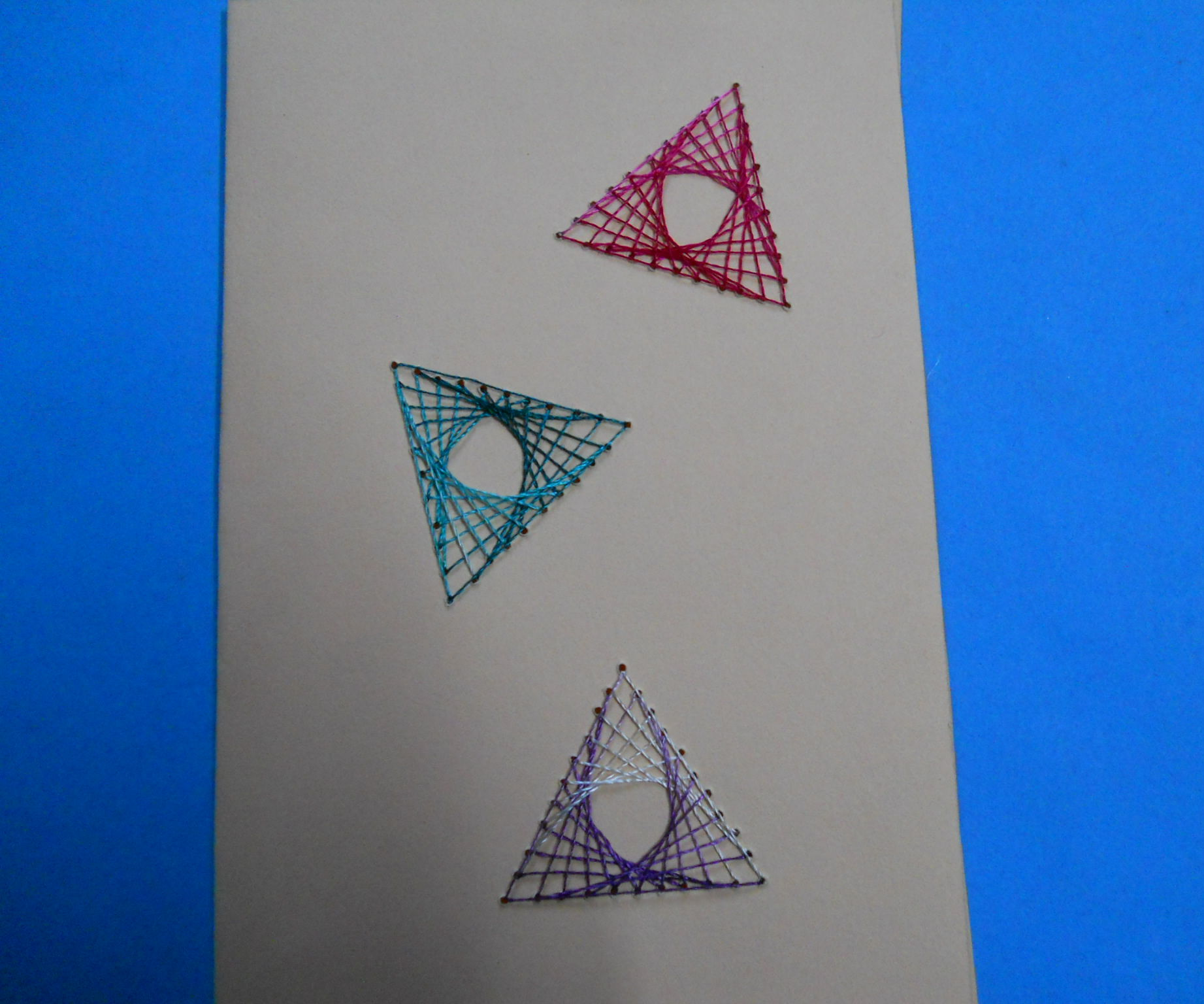 silk thread triangular art card