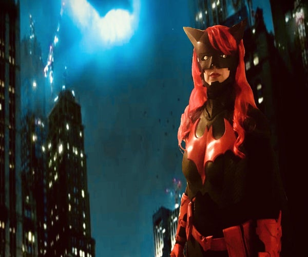 """How to Make a DC: """"Batwoman"""" Costume"""