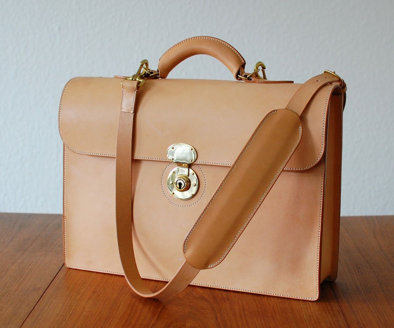 Briefcase With a 3 Piece Gusset