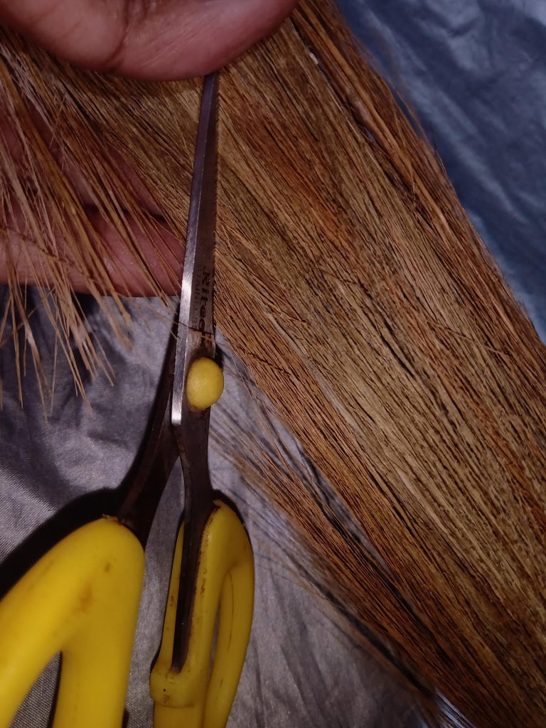 Painting Brush : Brush Part : Trim the Broom Brush Part, to the Required Size