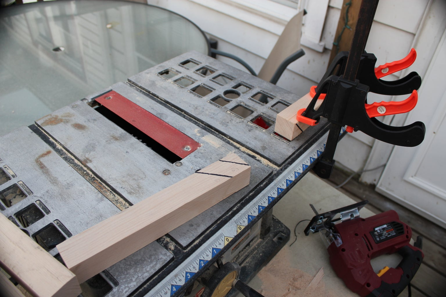 Switching From the Tablesaw to the Jigsaw