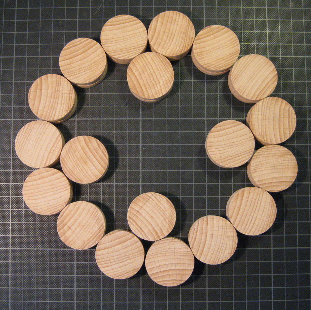 Shape Shifting Wood Trivet