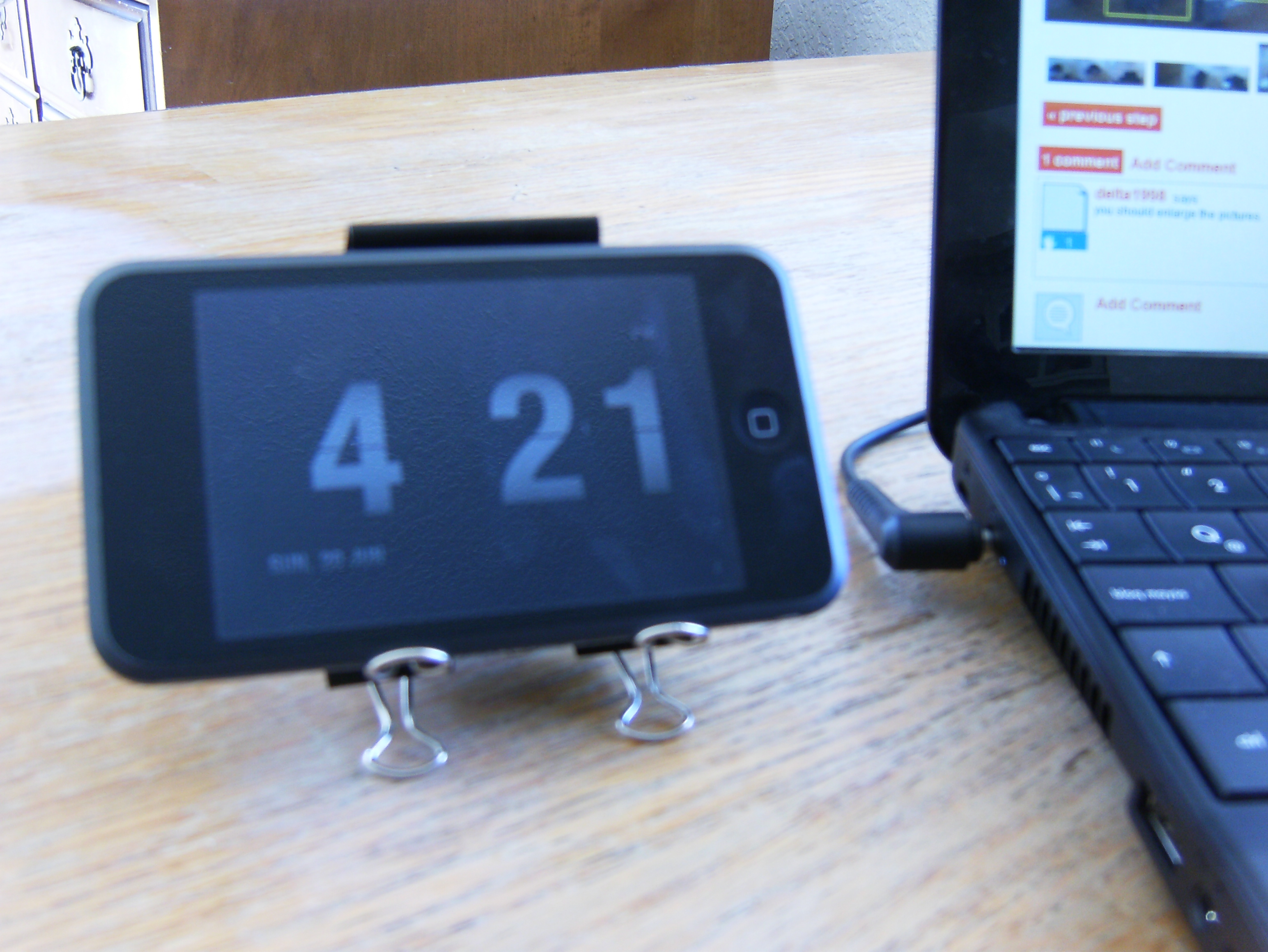 Binder clip dock stand for Ipod/Iphone or Cellphone (almost for any gadget)