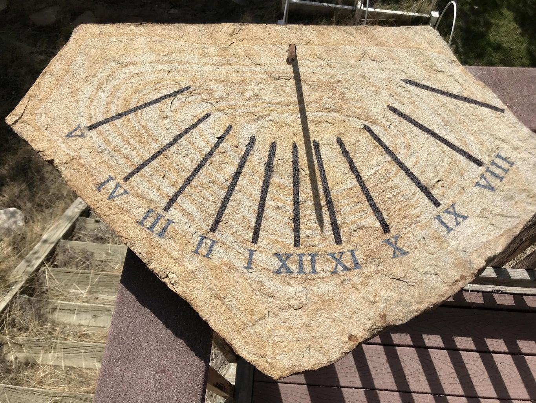 A Clock That Runs on the Sun!
