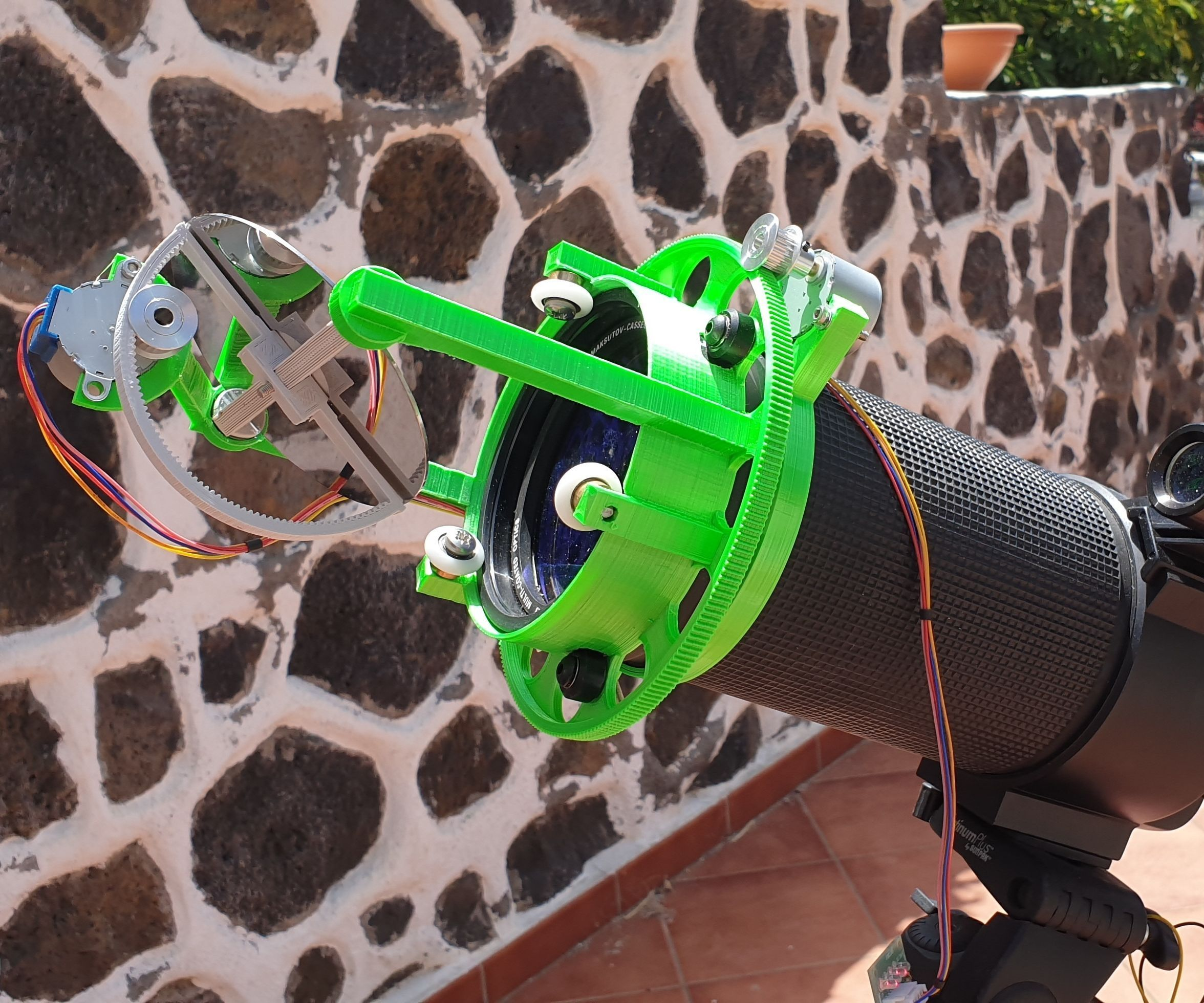 HeliosCap: Hard Drive Sun Tracker Heliostat for Fix Telescope (Part 1)