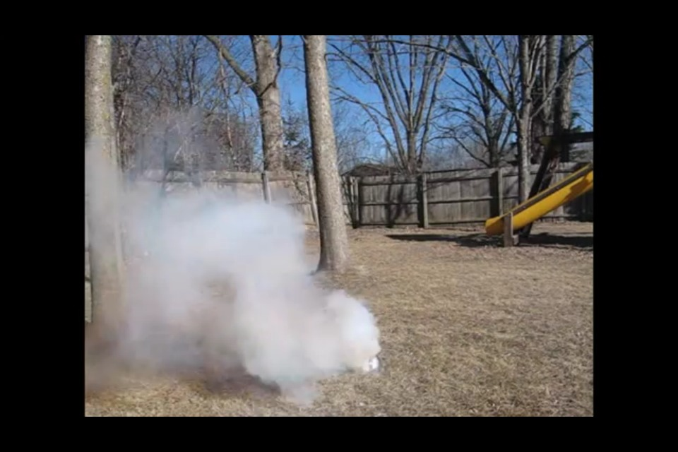 Ping Pong Ball Smoke Grenade (easy!!)