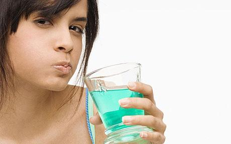 8 Incredible Uses for Mouthwash