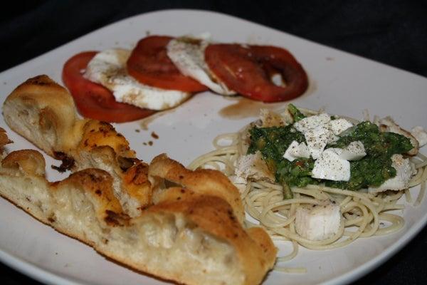 Spinach Asparagus Pesto and Caprese Salad