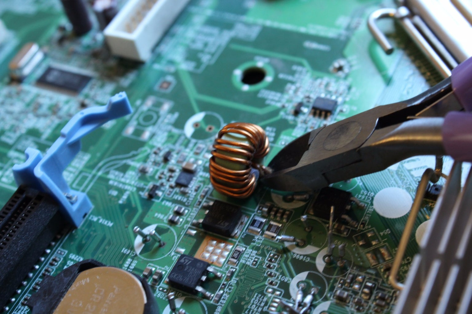 Disassembling Your Motherboard:  Removing Inductors