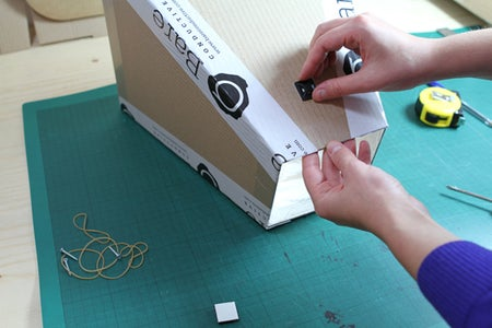 Attaching the Reflector to Your Light
