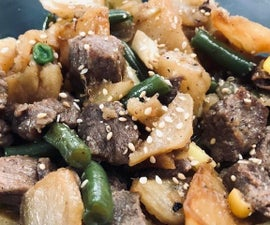 Potato With Beef and Vegetables in One Pot