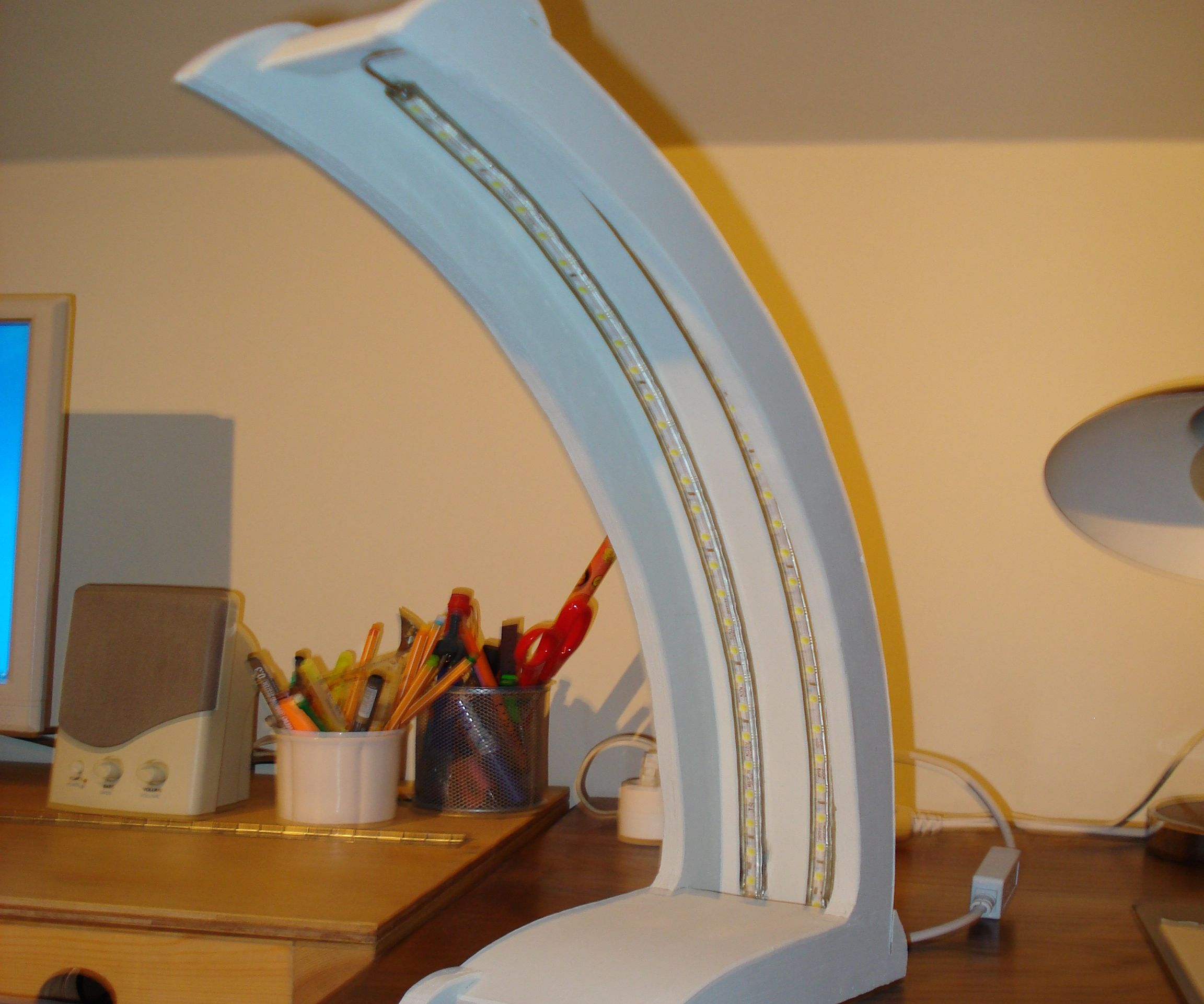 Led desk lamp