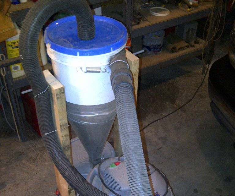 Cyclone separator for shop vacuum
