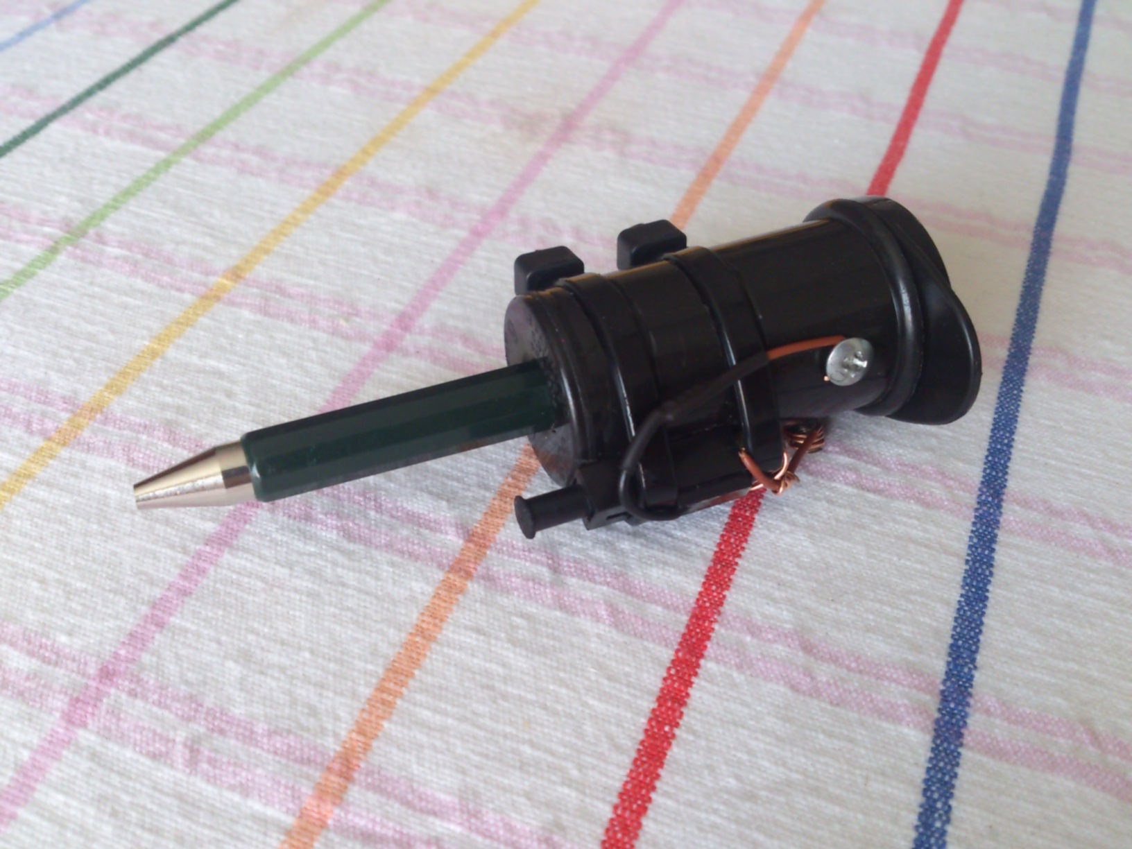 DIY tin blowing pen.