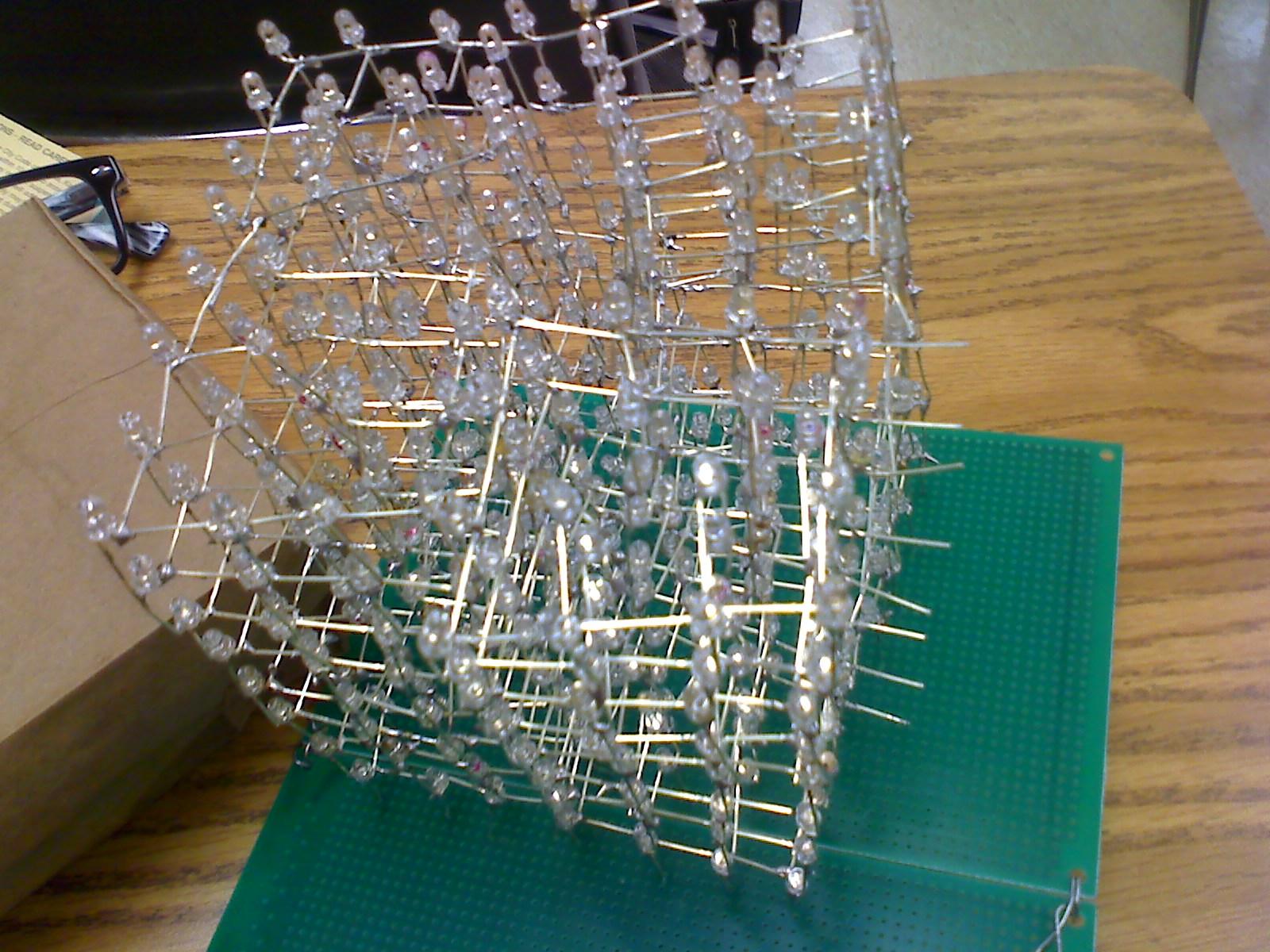8x8x8 led cube (build)