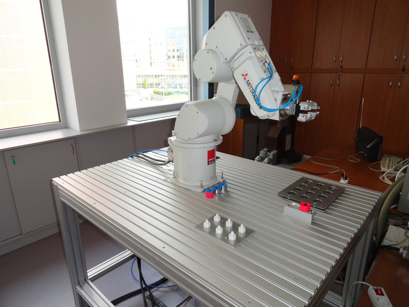 The Robot Without Work Station