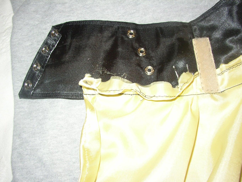 Yellow Fabric: Making the Skirt.